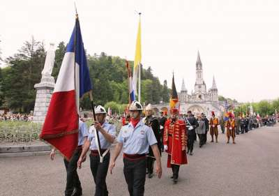 Pelerinage-Militaire-International-Lourdes.jpg