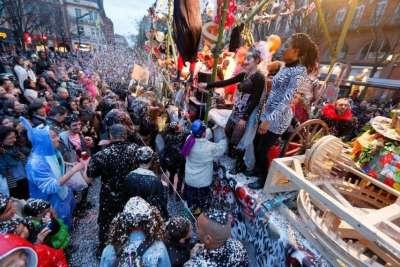 Le Grand Défilé Du Carnaval À Toulouse