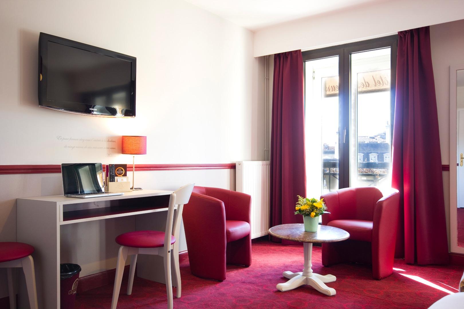 site officiel de nos 2 h tels bordeaux centre op ra 4 soeurs meilleur prix en direct. Black Bedroom Furniture Sets. Home Design Ideas