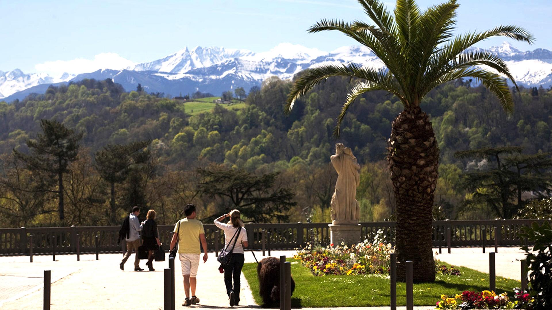 Le Mythique Boulevard des Pyrénées |Hôtel Le Roncevaux